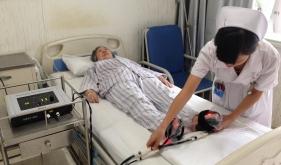 红外光治疗下肢血管、神经麻木、刺痛等并发症